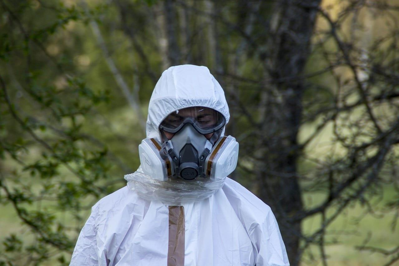 Equipo de protección de residuos peligrosos en tiempos de pandemia